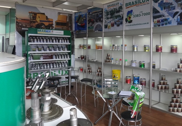 Stand da Brasilux na Agrishow 2012; empresa volta à feira este ano