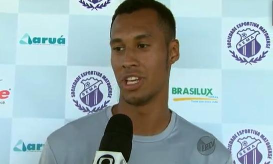 Marca da Brasilux em destaque ao fundo